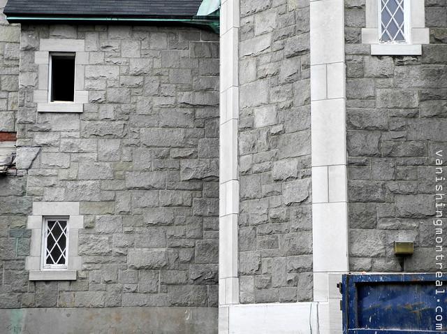 Eglise Notre-Dame-de-la-Paix demolition (Thursday/Jeudi) 20