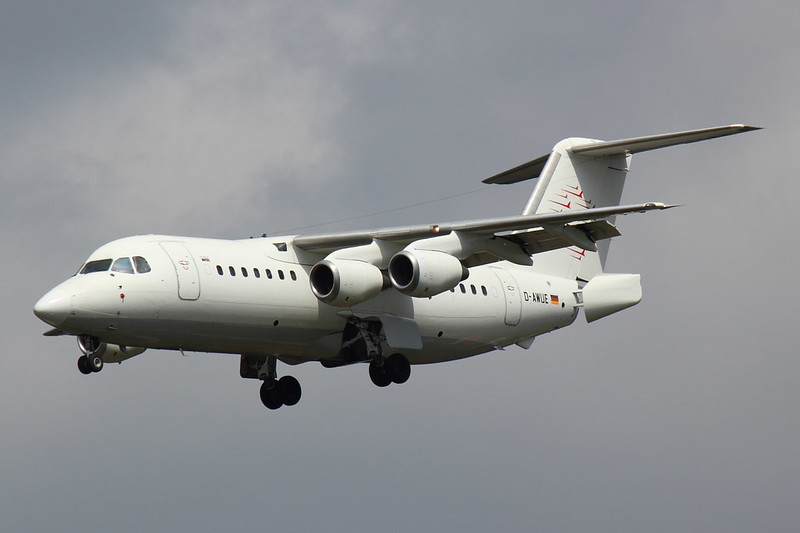 WDL Aviation - RJ85 - D-AWUE (1)