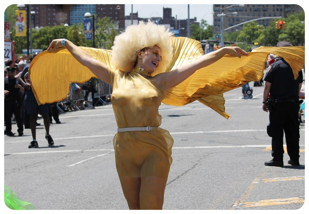 golden girl coney island mermaid parade 2014