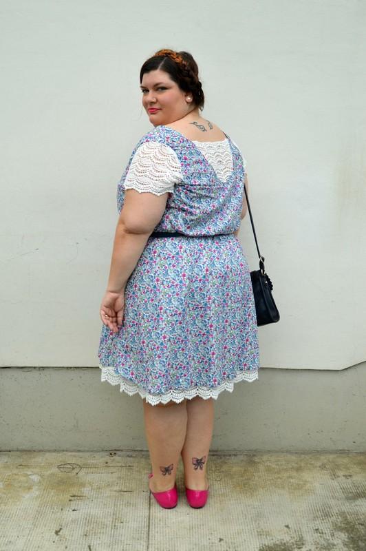 Outfit fiorellini, blu e fuxia (1)