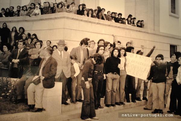 24 - 25 апреля 1974 года - революция гвоздик в Португалии - Каштелу Бранку