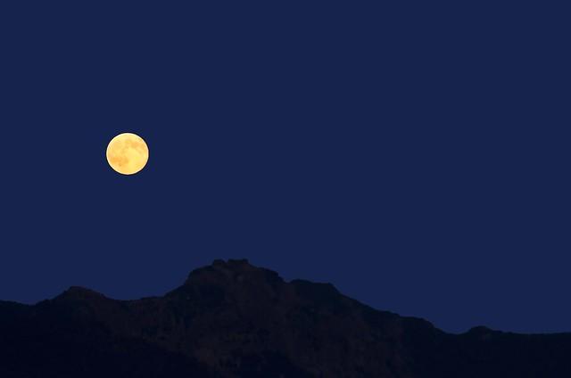 Full Moon, Suntop Mountain