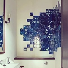 Unusual tile application #unda #tile #traditional #bathroom #design #decor #interiors #home #luxury #leonor #bookcase #hotel #porto #london #nyc #miami #ca