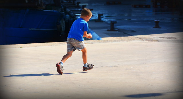 il faut courir très vite pour livrer des glaçons à son grand-père sous un soleil de plomb !