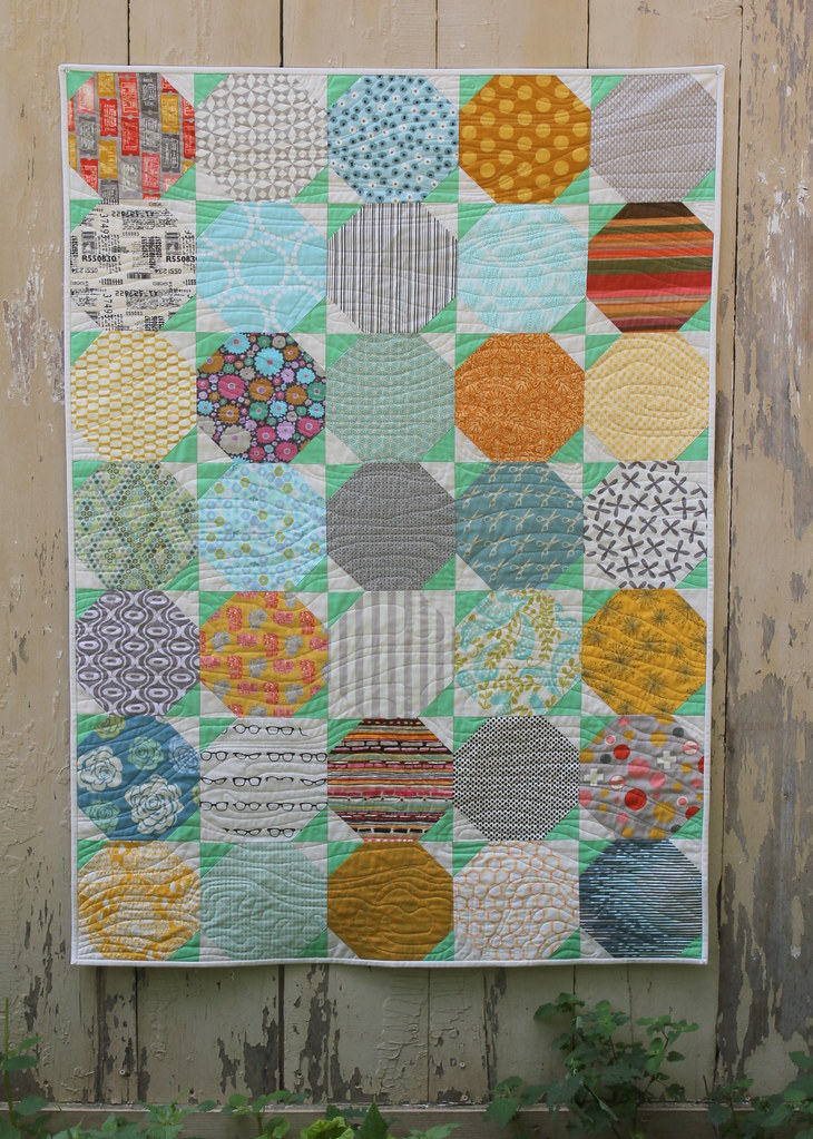 Snowball Quilt Tutorial - Finished Quilt Pic 1