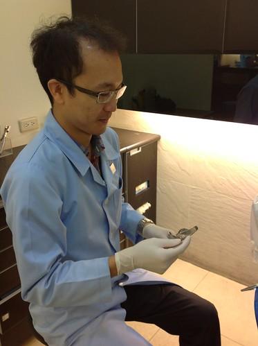 黃經理牙醫診所 賴盈利醫師的全瓷冠治療1