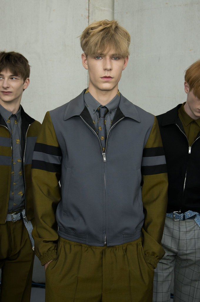 SS15 Paris Krisvanassche223_Dominik Hahn, Simon Fitskie, Linus Wordemann(fashionising.com)