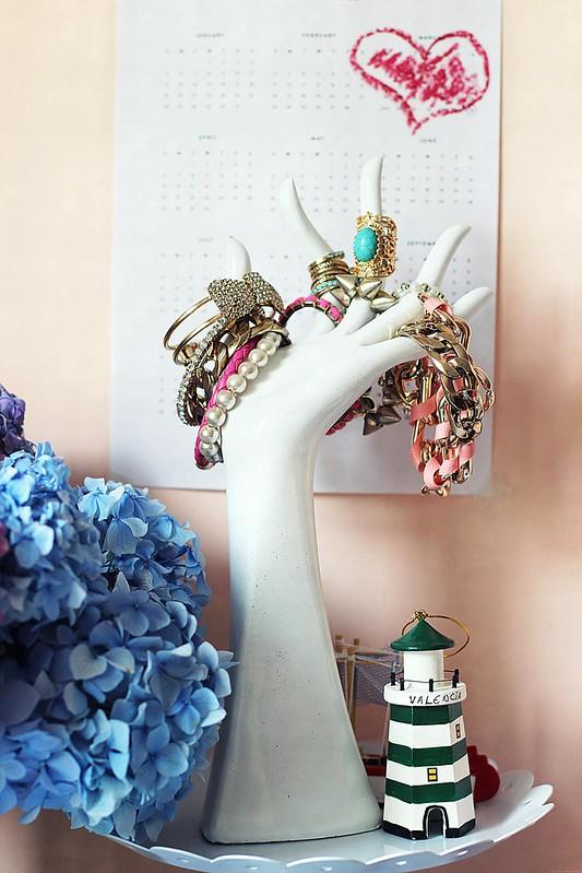 jewelry hand