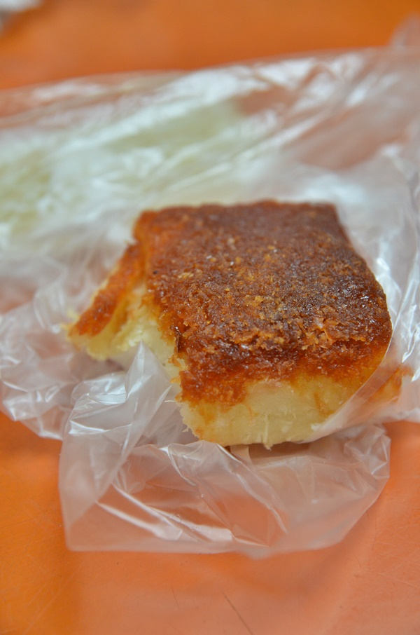 Tapioca Cake with Grated Coconut in Gula Melaka