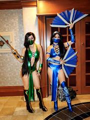 Jade and Kitana (Mortal Kombat)