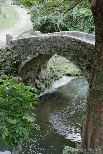 石橋 / side view of stone bridge