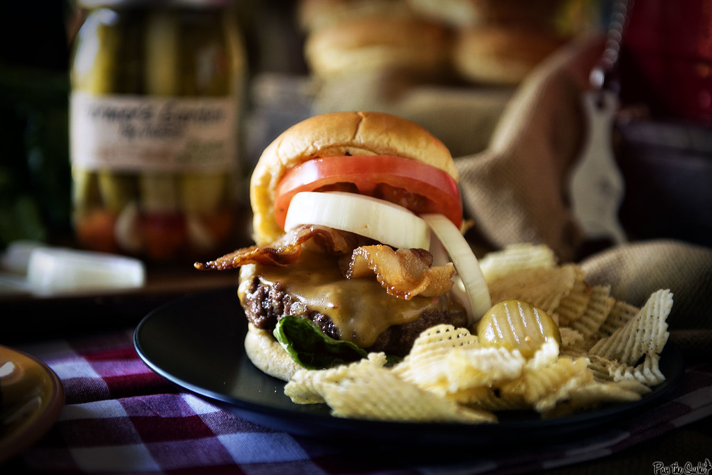 Roasted Garlic Butter Burgers | PasstheSushi.com