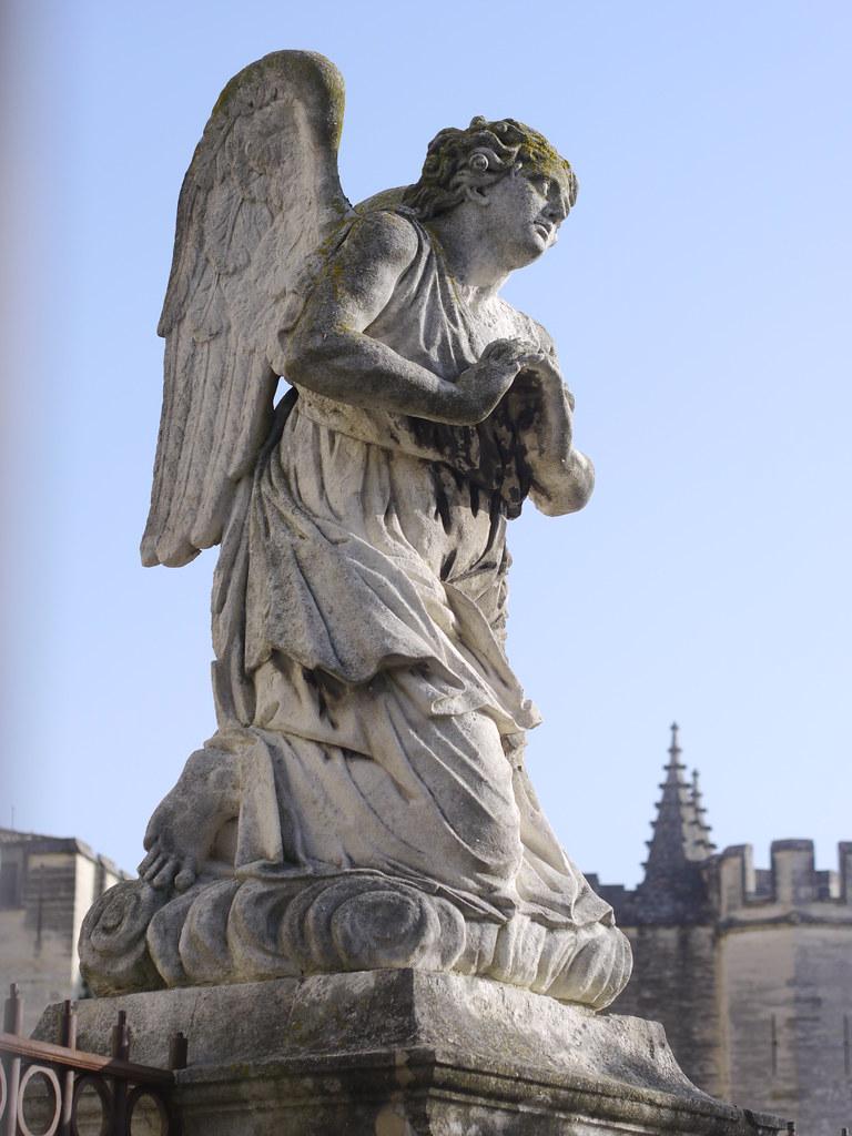 related image - Avignon - 2014-04-05- P1810005