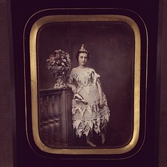 This daguerreotype show was really good. Amazing how these things still spook.