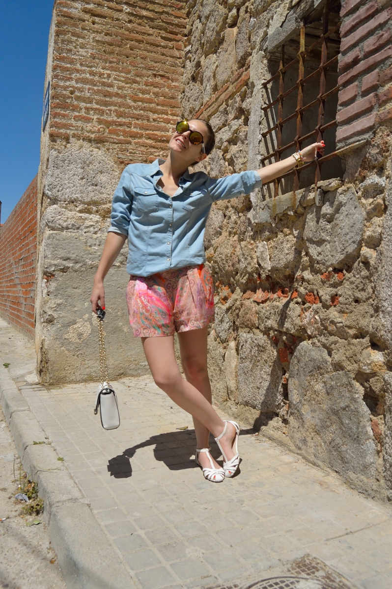 lara-vazquez-madlulablog-fashon-trends-denim-happy-look