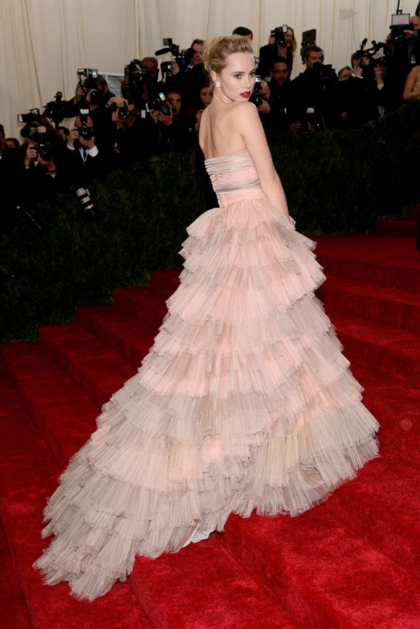 2014 Met Ball Best Dressed Suki Waterhouse in Burberry Prorsum