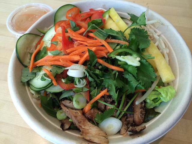 Grilled chicken salad bowl - Freshroll Vietnamese Rolls & Bowls