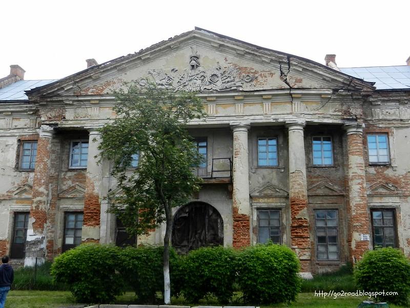 Реставрация дворца Потоцких. Успеют?