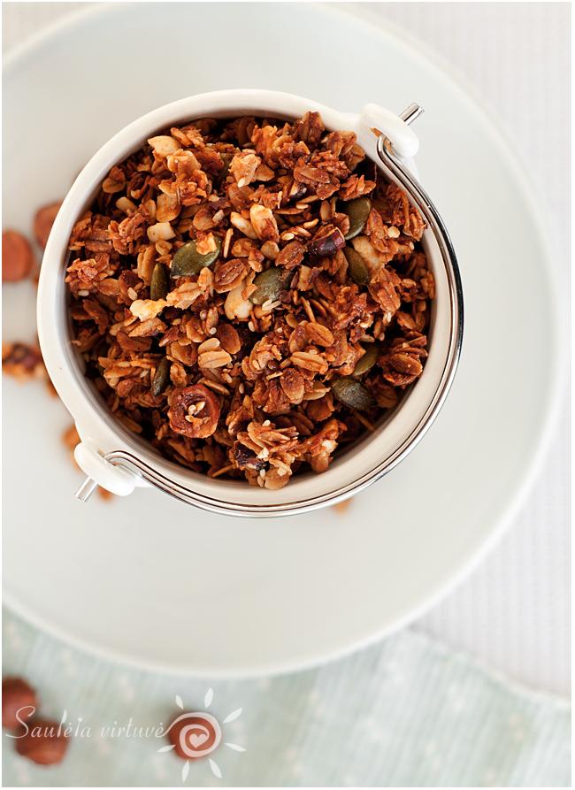 Riešutų sviesto granola (5)