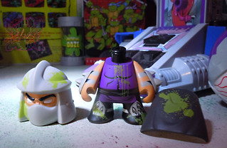 "Kidrobot :: ""TEENAGE MUTANT NINJA TURTLES"" - 'OOZE ACTION' GLOW IN THE DARK SHREDDER v (( 2014 ))"