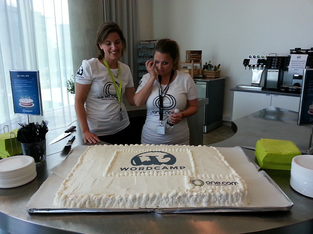 Der var kage til WordCamp, stor, stor kage!
