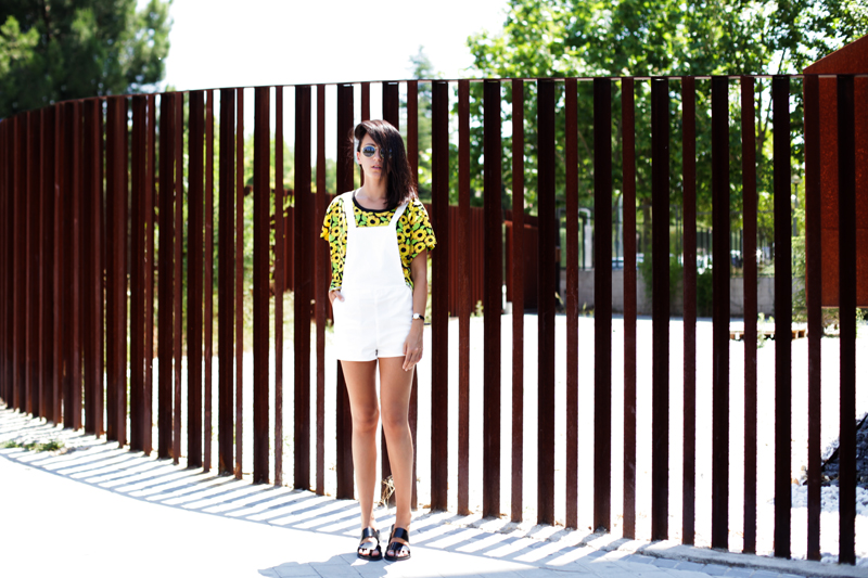 shirt-sunflowers-dungarees-white-h&m-007