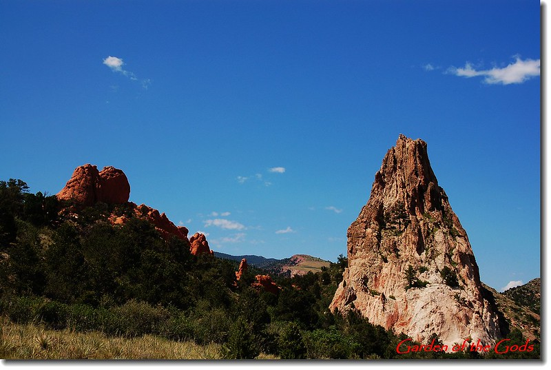 Sleeping Giant(L) & Gray Rock(Cathedral Rock )