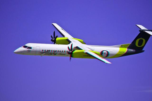 Alaska Air, in 3D, red/cyan anaglyp