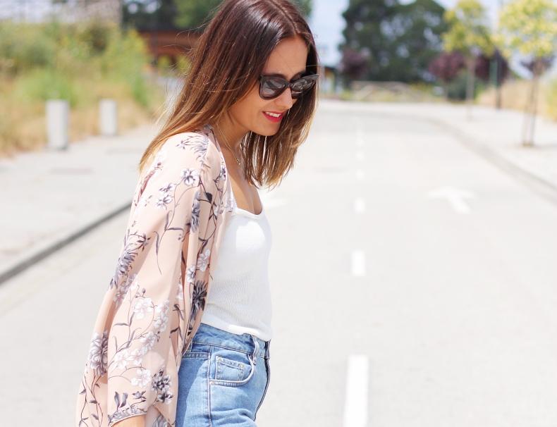 kimono-aluet-street_style-outfit-mum_jeans-rebecca_minkoff-bag