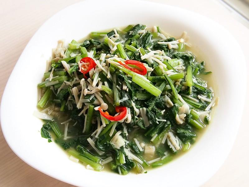 day060-午餐-金針菇炒菠菜