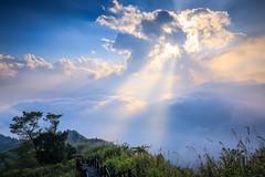 隙頂的雲隙光(Clouds light at Xiding,Chiayi county,Taiwan)