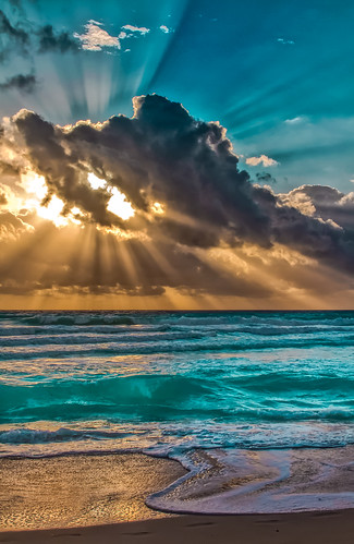 miamibeach miamifl sobe sea seashore seascape skies colors clouds urban unitedstates walking waterways walkingaround earlyinthemorning outdoors