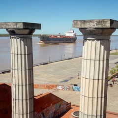 Interesting view from the west shore of the #Parana River, walking along the Parque España (Park of Spain) in #Rosario City, #Argentina.  . #ship #cruise #love #shipping #water #port #travel #ships #river #sailing #sailor #transporter #transport #sun #sum