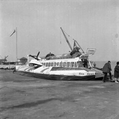 Alf037 Hovercraft sea speed Southampto Cowes Sea Hawk Hovercraft sea speed Southampto Cowes Sea Hawk 1970's ?
