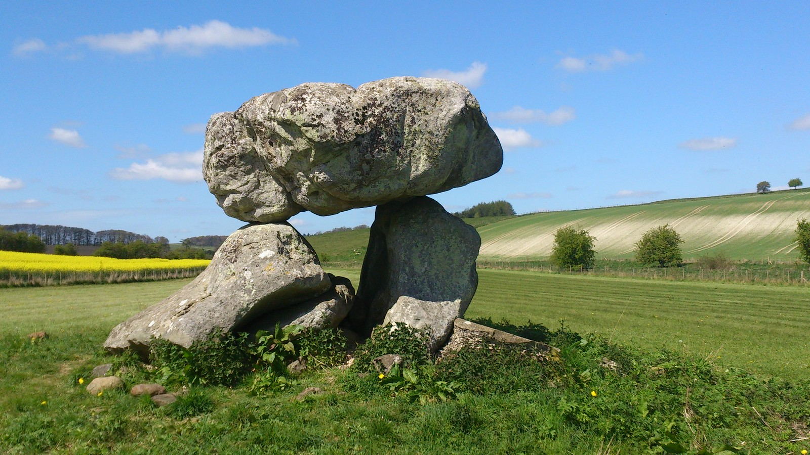 Devil's Den, from the southeast SWC Walk 255 Pewsey or Marlborough Circular via Avebury