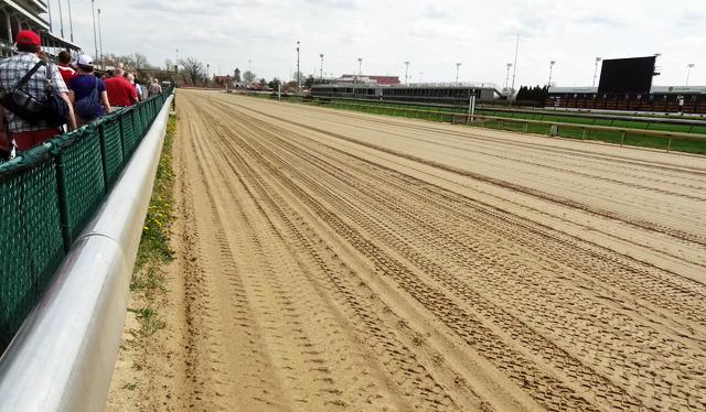 kentucky-derby-race-track