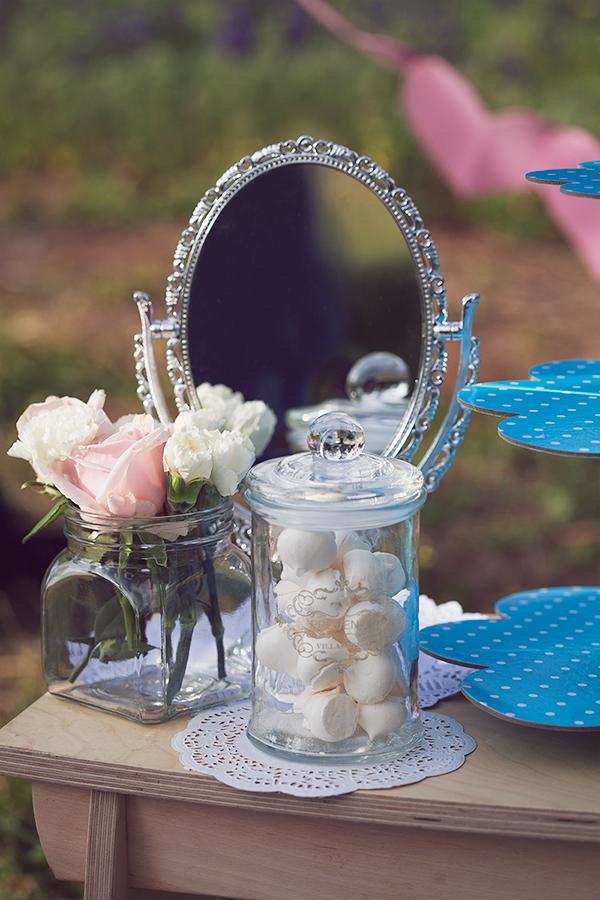 flowers, meringue, roses, mirror, fashion blog, בלוג אופנה, אפונה בלוג אופנה, נשיקות, וינטג', רומנטי, פרחים