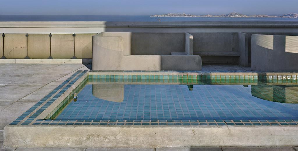 Unité d'habitation, Marseilles, 1946-52 terrace pool. © Richard Pare, 2011