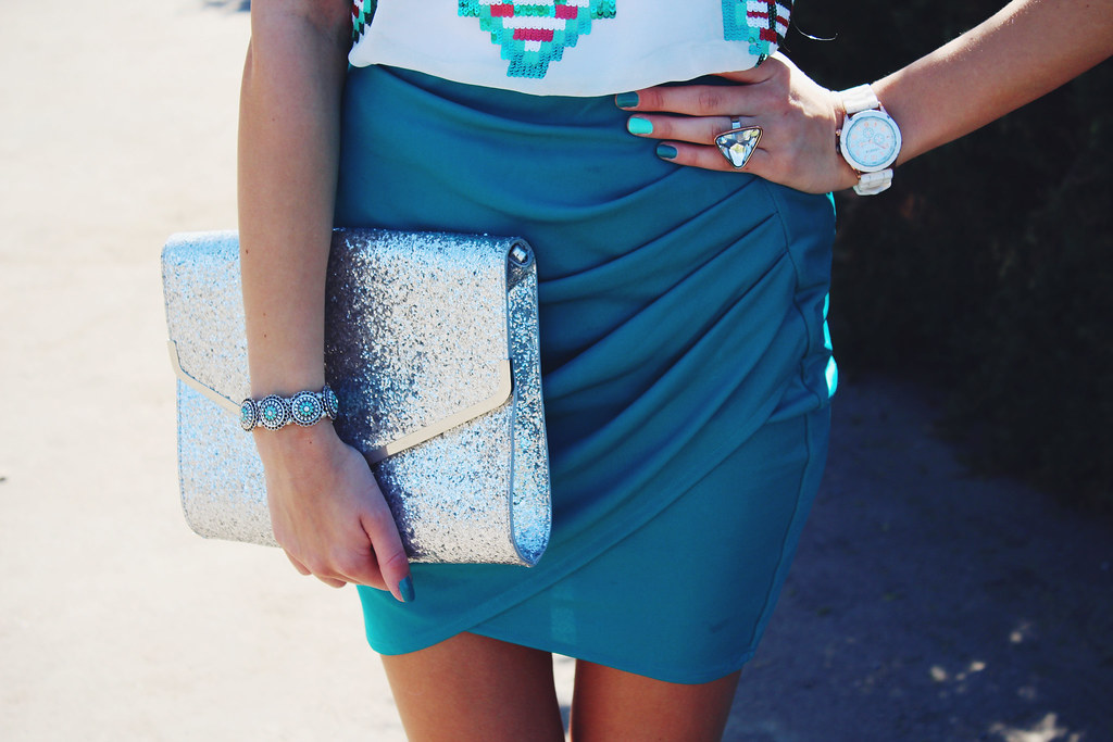 Newest outfit on Call me Maddie: I am wearing turquoise tulip skirt from H&M, aztec print top from Sheinside, nude color heels from Lala, geneva silicone watch from Ebay.