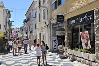 http://hojeconhecemos.blogspot.com.es/2014/04/shop-rua-direita-cascais-portugal.html