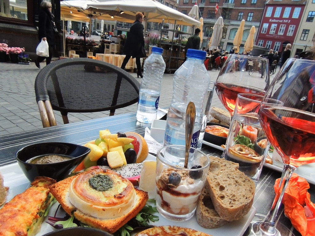 Great Copenhagen brunch at Cafe Phønix 2/3