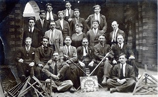 Compagnons du tour de France, charpentiers, en 1923, à Lyon-Vaise