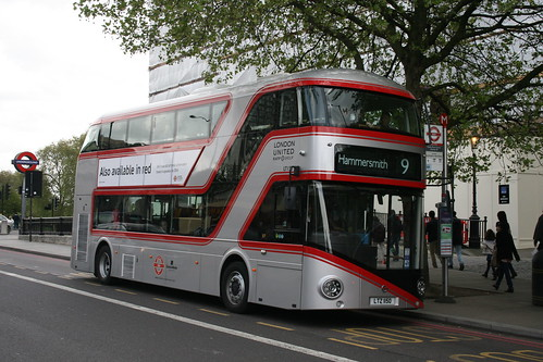 London United LT150 on Route 9, Hyde Park Corner