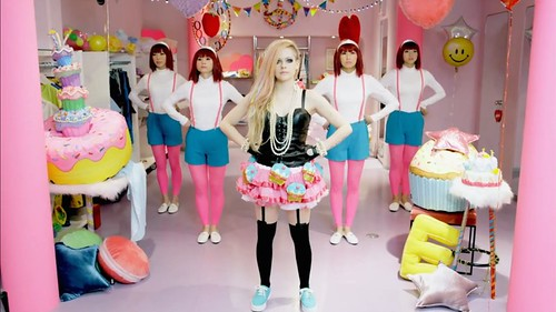 avril lavigne, hello kitty, cultural appropriation, japan