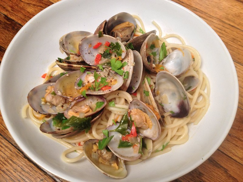 Clam Vongole : Served