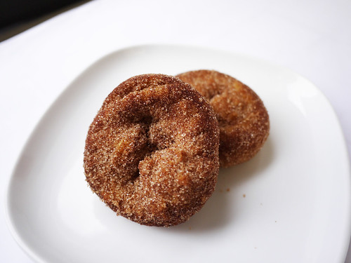 05-22 cinnamon donuts
