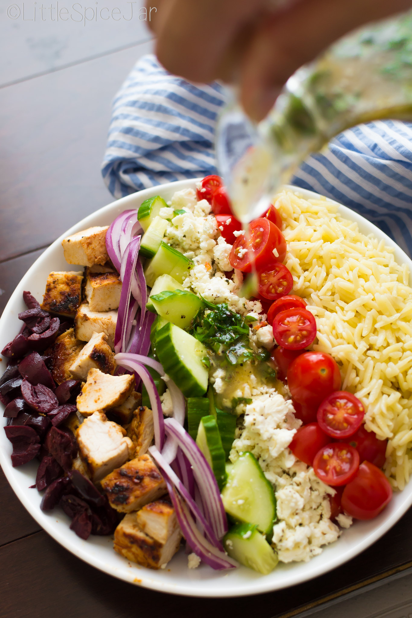 This healthy Greek Orzo Pasta Salad with chicken is so easy to whip up ...