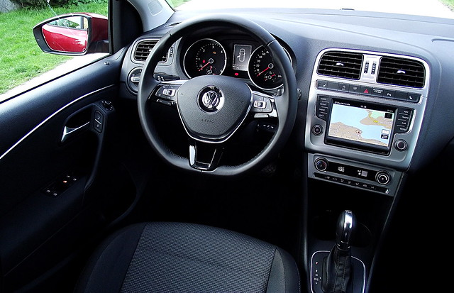 vw polo v 1 4 tdi 66 kw 90 ps dsg highline typ 6r 2014 interieur cockpit innenraum flickr. Black Bedroom Furniture Sets. Home Design Ideas
