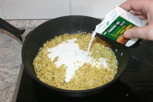 24 - Kokosnussmilch dazu geben / Add coconut milk