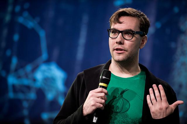 re:publica 2014: Journalist und Aktivist Jacob Appelbaum auf der Netzkonferenz.